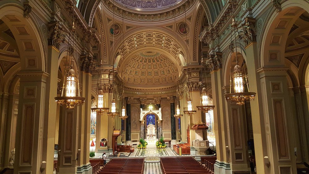 A mix of DT-800, DT-400 and line array speakers are used in the cathedral.
