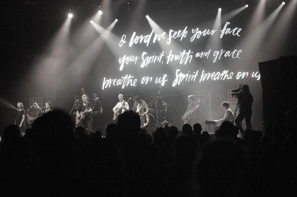 Worship led byWorship Central NZ + AARON HARDY - WEBSITE
