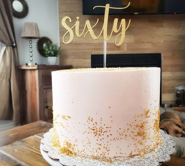 This 60th birthday celebration cake is one of my favorite cakes that I've had the pleasure of baking. Lando thinks that the cake is for him. He's old and sweet so I'll let him think that (but he's a lot older than 60 in doggie years 🤫). . . . #celebrationcake #60thbirthday #rosegold #pinkamdgold #bakelodge #buttercream #patisserie #golden