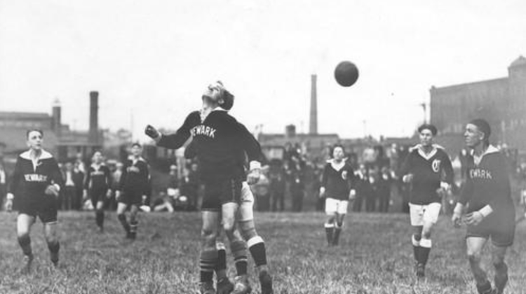 Action from a 1926 game between Canton and Newark. (Baltimore Sun)