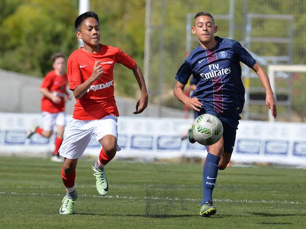 Crossfire U-14 in action versus Paris Saint-Germain in Madrid.
