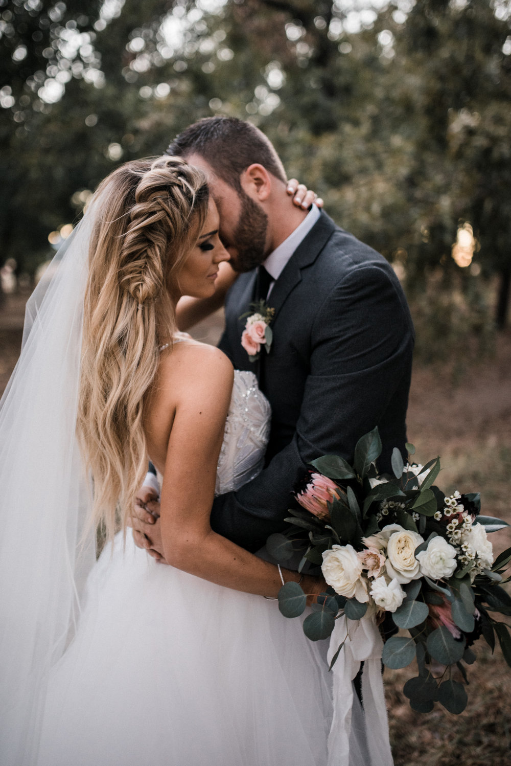 Moody, Romantic Arizona Wedding
