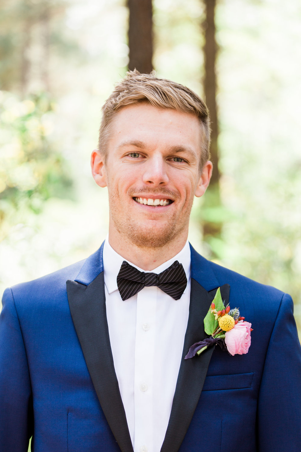 Flagstaff Forest Wedding - Navy Suit and Ranunculus Boutonniere