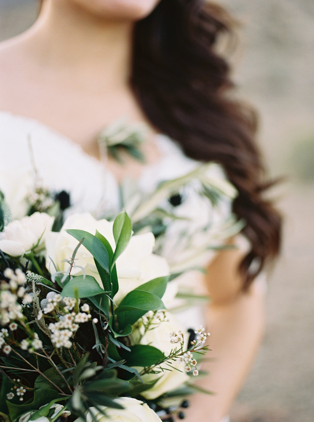 Fine Art Desert Elopement - White and Black Bouquet