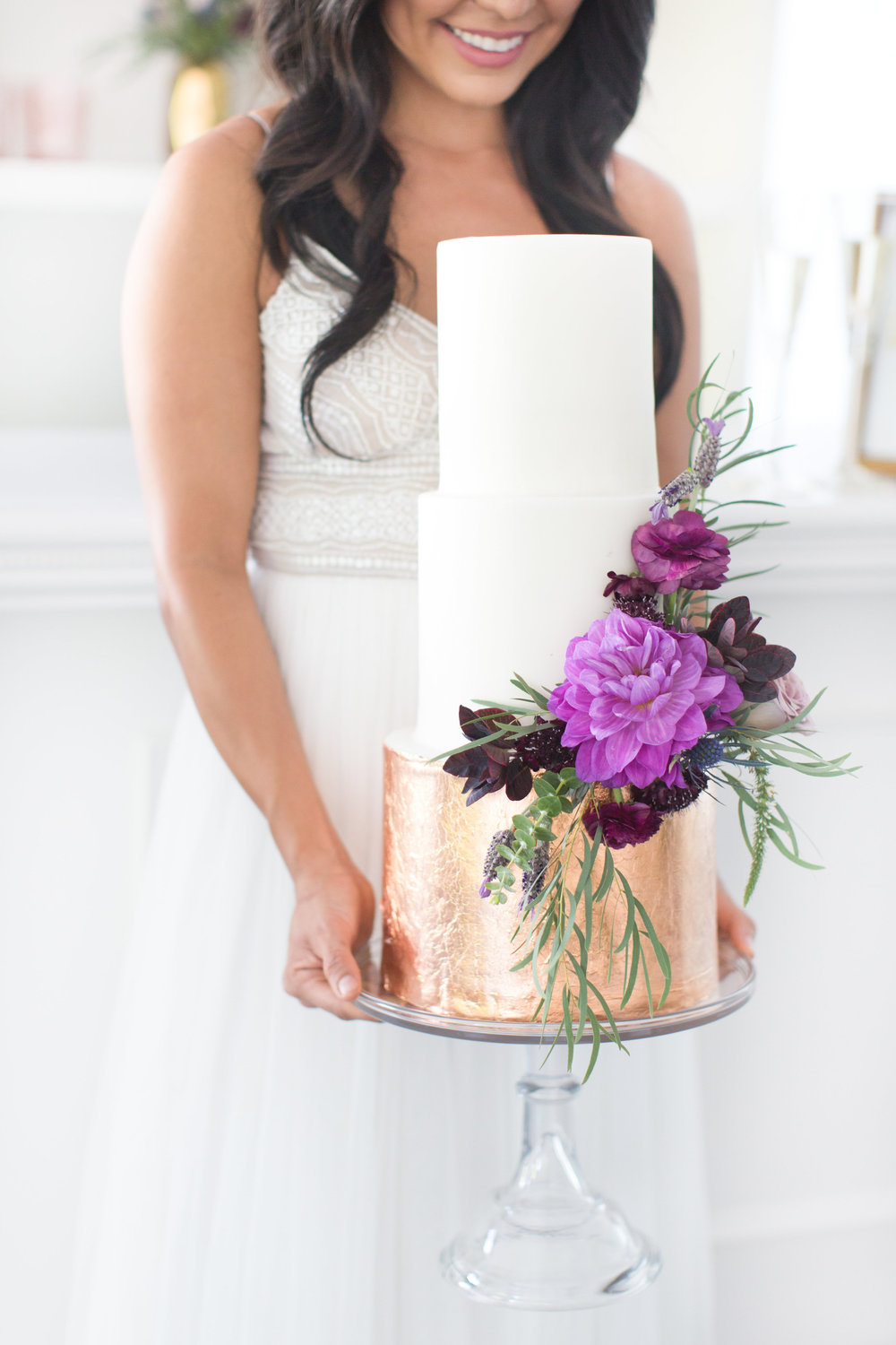 Amy & Jordan Workshop - white and gold cake with purple floral accents