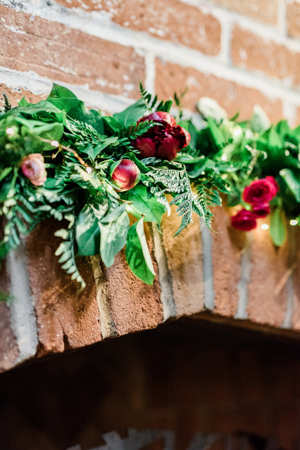 Book Inspired Wedding - Garland Detail