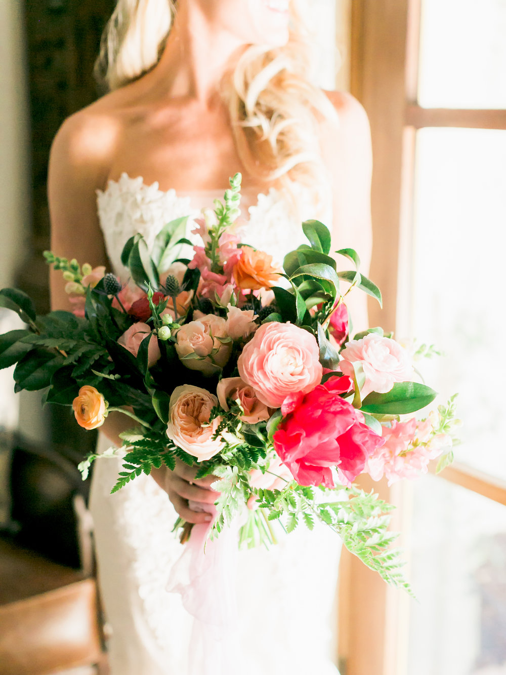 Private Estate Wedding in Phoenix - Bride with blush, pink, and peach bouquet