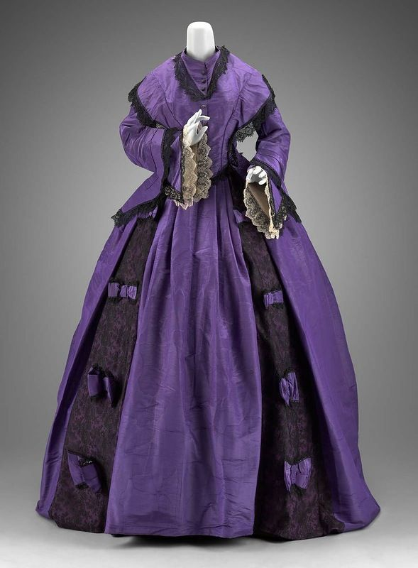 vestido de 1860 VIOLETA.jpg