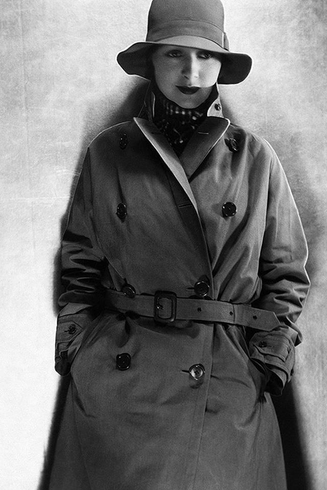 GABARDINA TRENCH 1930.jpg