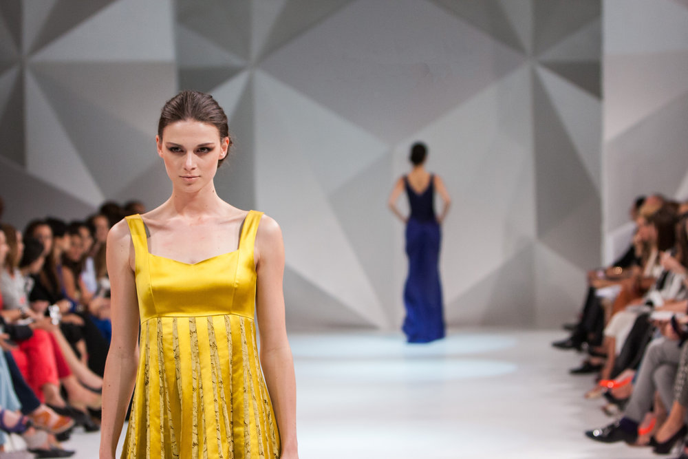 attractive-beauty-catwalk-262039.jpg
