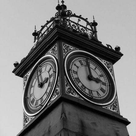 450px-Nearly_3_o'clock_-_geograph.org.uk_-_1058151.jpg