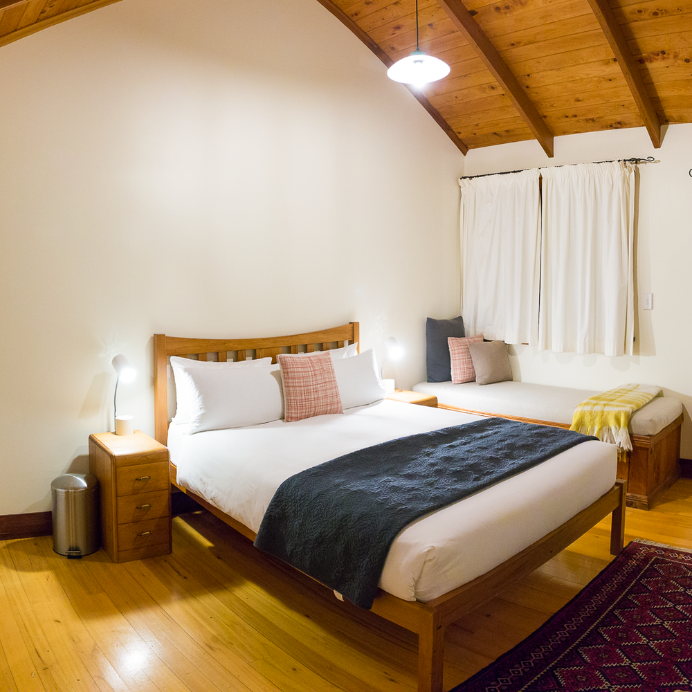cathedral-cove-coromandel-accommodation-the-church-hotel-cottage-room-two-dusty-lenses.png