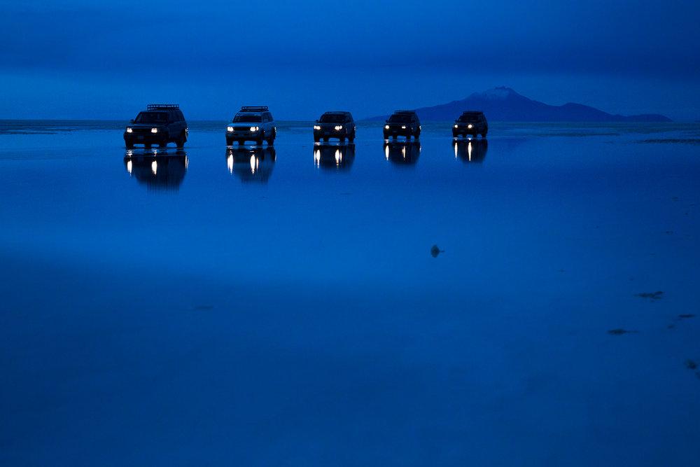 blue-hour-uyuni-salt-flats-salar-potosi-bolivia-jeep-4x4-wheel-drive-car-drive-selfdrive-south-america-travel.jpg