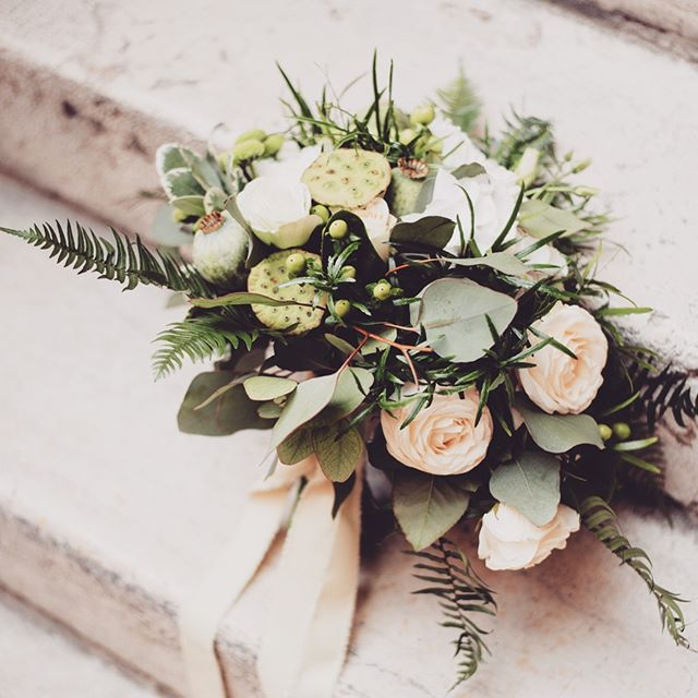 Classic bouquet beauty from @prettyflowers.fioreriasanrocco