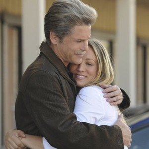 Rob Lowe as Drew Peterson and Kaley Cuoco as Stacy Peterson