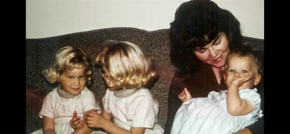 Julie Williams and her 3 daughters