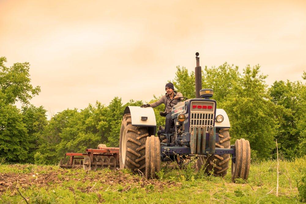 CRM-IMG-WEB-tractor-min.jpg