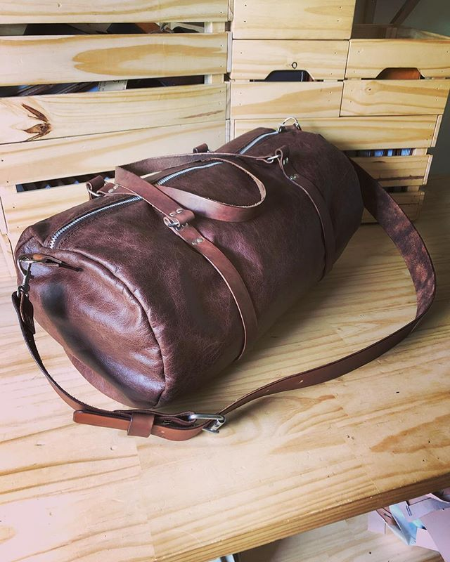 Fresh off the bench and ready for adventure! May the new year be full of exciting things, with some quality leather gear to help you along the way! • • • • #leather #leathercraft #travel #adventure #duffelbag #travelbag #leatherduffel #leathertravelbag #carryon #artisan #rustic #handmade #outdoors #camping #style