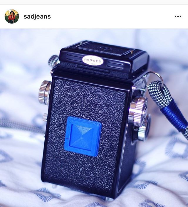I really love this pic from @sadjeans , the inspiration behind these film box tab holders. I hope she gets some great use out of hers!  #filmphotography  #filmcamera #shootfilm #mediumformat #35mm #120film #shootfilm #tlr #analogcamera  #analogphotography  #35mmfilm #rangefinder #slr #manualcamera