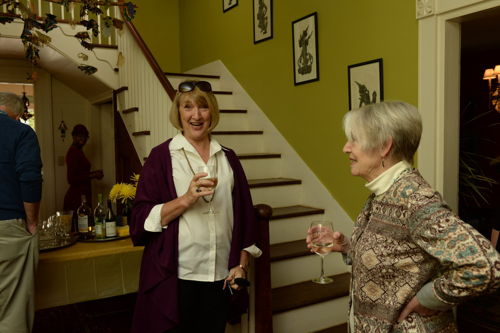 Fountain of all knowledge Eatonton - Lyn Hendren and Shelagh Fagan (former B&B owner and fellow Brit).