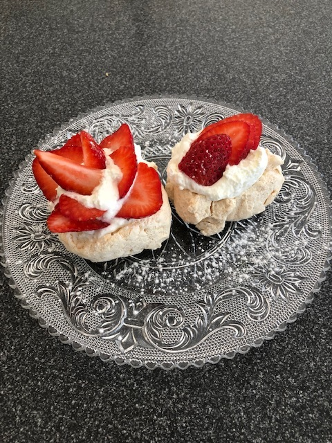 Strawberry and cream meringues