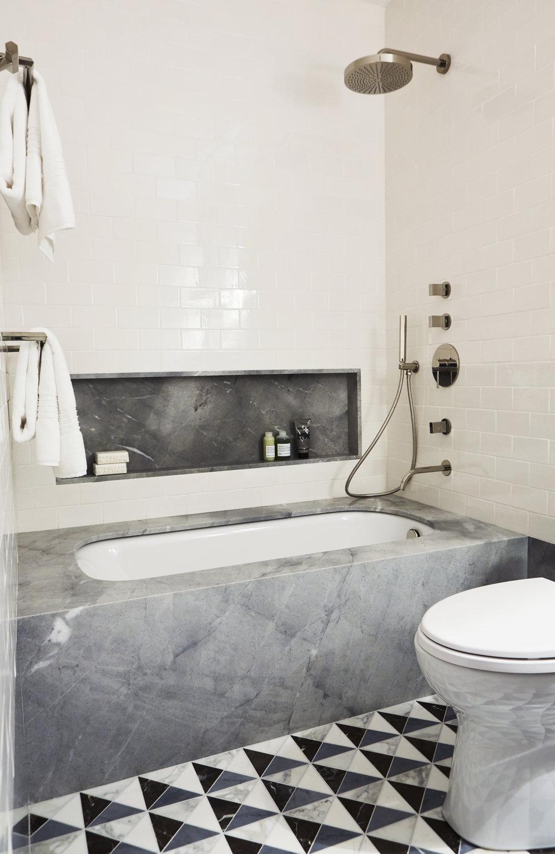 second bath2.jpg