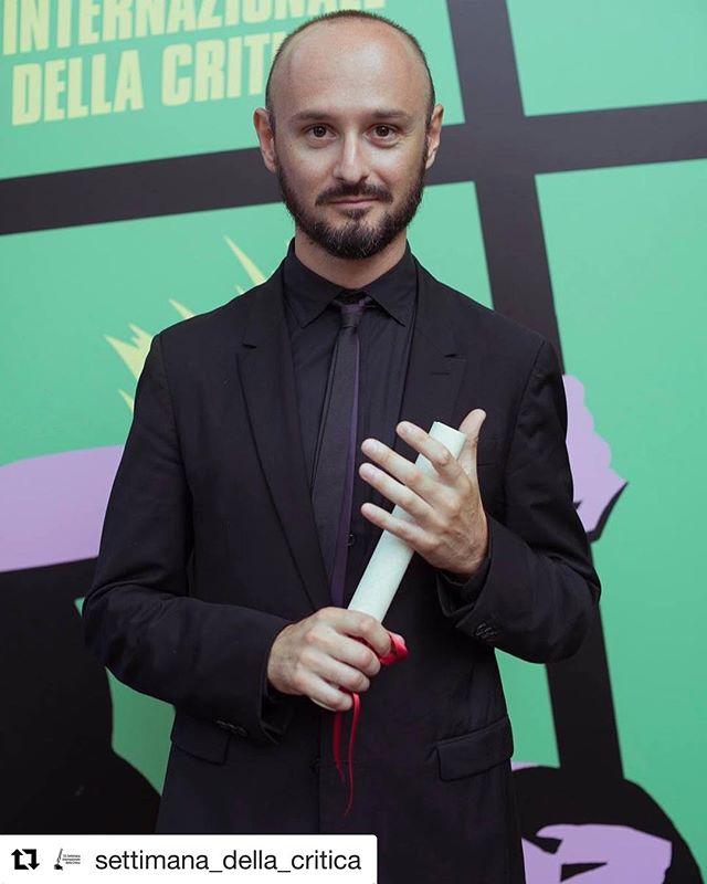 """Quanta soddisfazione!!! """"Premio alla Migliore Regia GAGARIN, MI MANCHERAI di Domenico De Orsi""""  #SIC33 #SICatSIC #Venezia75 #BiennaleCinema2018 #SettimanadellaCritica #VeniceCriticsWeek #MostradelCinema #VeniceFilmFestival #film #movie #cinema #filmfestival #shortfilm #instamovies"""