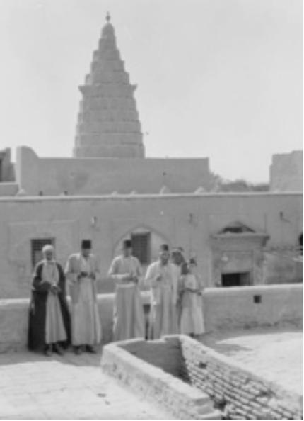 Jews at the tomb of the prophet Ezekiel 1932