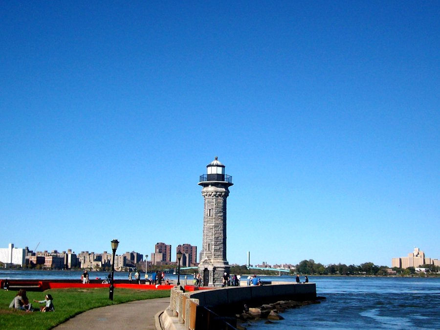 Source: www.atlasobscura.com/places/roosevelt-island-lighthouse