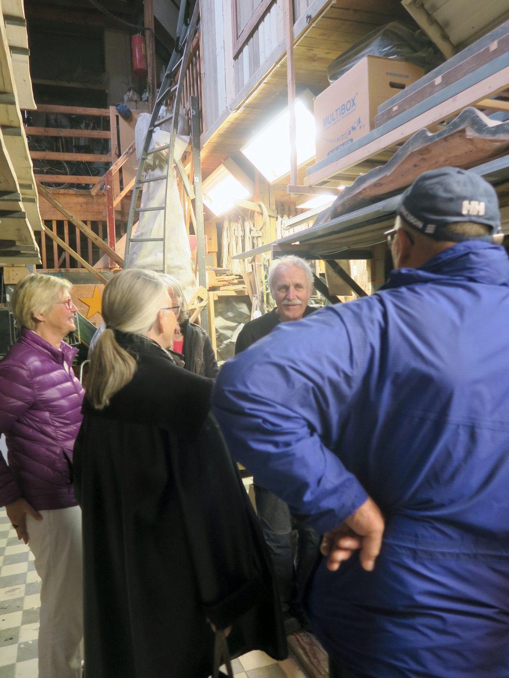 Styrelsen besöker Lars Kleens ateljé