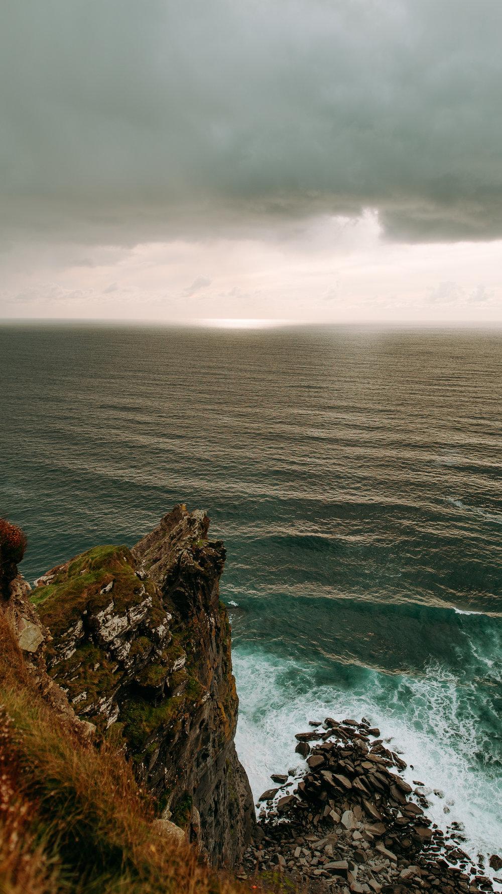 Taylor & Gloria - Cliffs of Moher Elopement-17.jpg