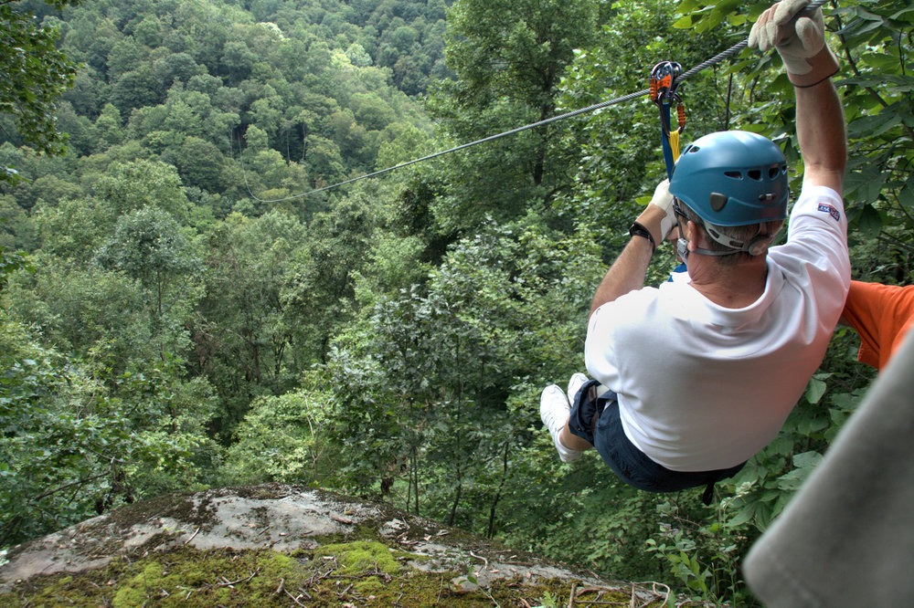 Black Mountain Thunder Zipline - Harlan CountyExperience breathtaking views of the majestic Appalachian mountains on our 2-hour canopy tour.