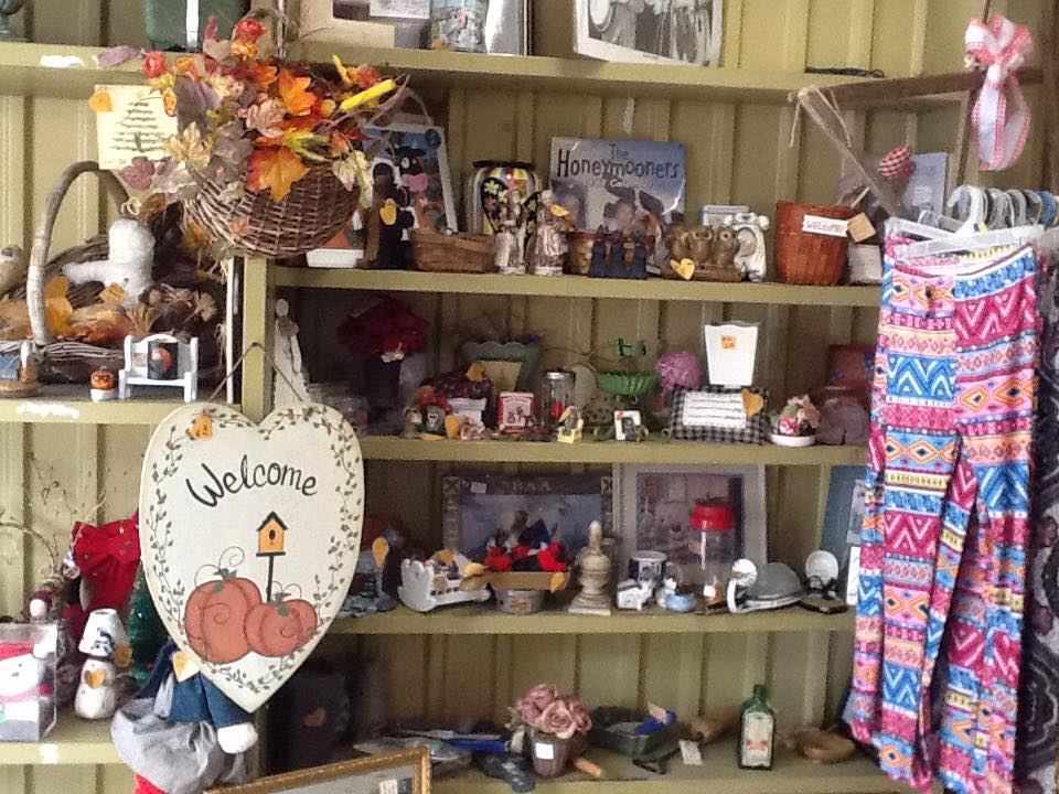 Isom Vendors Mall - Letcher CountyWe have everything from antiques and collectilbes, crafts, new clothing, used clothing, makeup, jewelry, tobacco smoking accessories, detergent, toilet paper, musical instruments, pet supplies, HBA, and much much more.