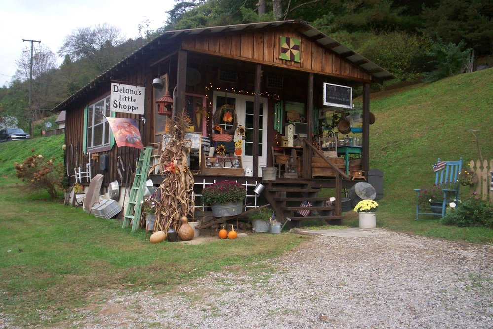 Delana's Little Shoppe - Letcher CountyOver 30 years of buying, selling, re-purposing, antiques and good country junk, crafts and painting.