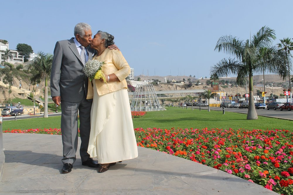 couple-858694_1920.jpg