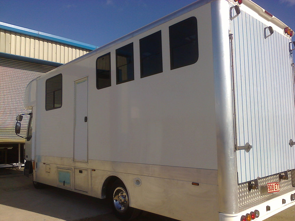 Lightweight Horsebox - This custom built horsebox was constructed using lightweight aluminium flooring and lightweight GRP panels for the body sides. Includes space for living accommodation at the front.