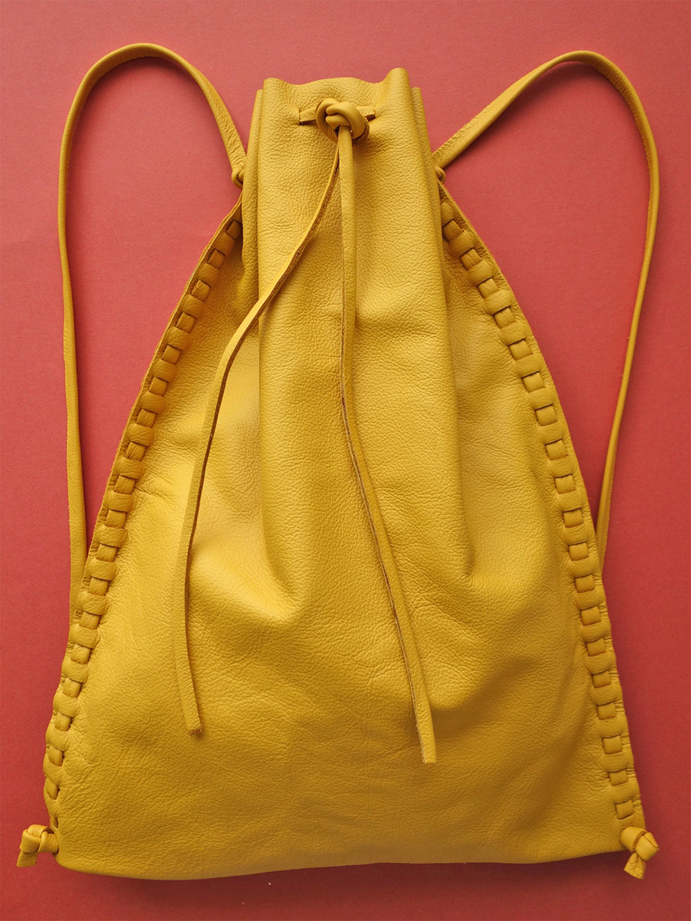 Liodebruin_Leather_Drawstringbag_04.jpg