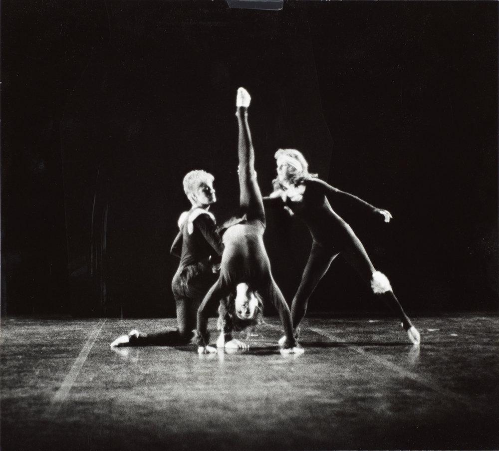 DANCE-DEPARTMENT-11-11-009.jpg