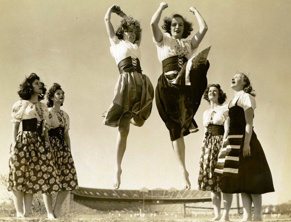 c1930s_orchesis_two_dancers_jumping_in_the_air.jpg