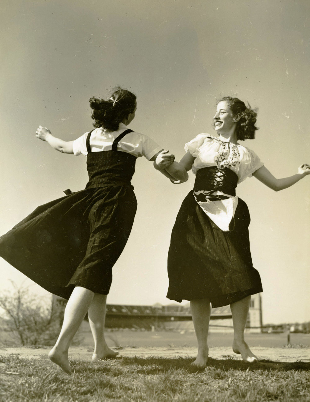 c1930s_orchesis_two_women_dancing.jpg