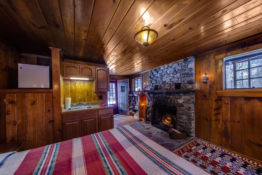 Cabin 7.jpg