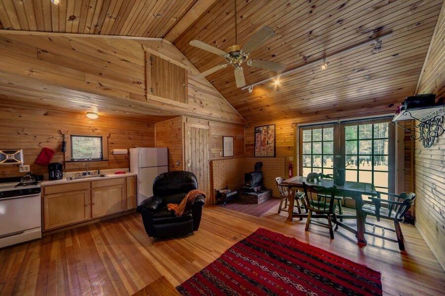 Cottage 6.jpg