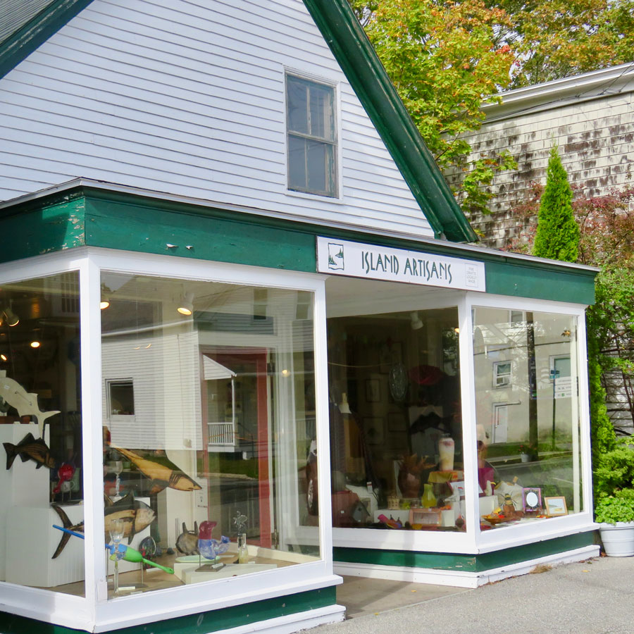 119 Main Street, NORTHEAST HARBOR, MAINE  207.276.4045