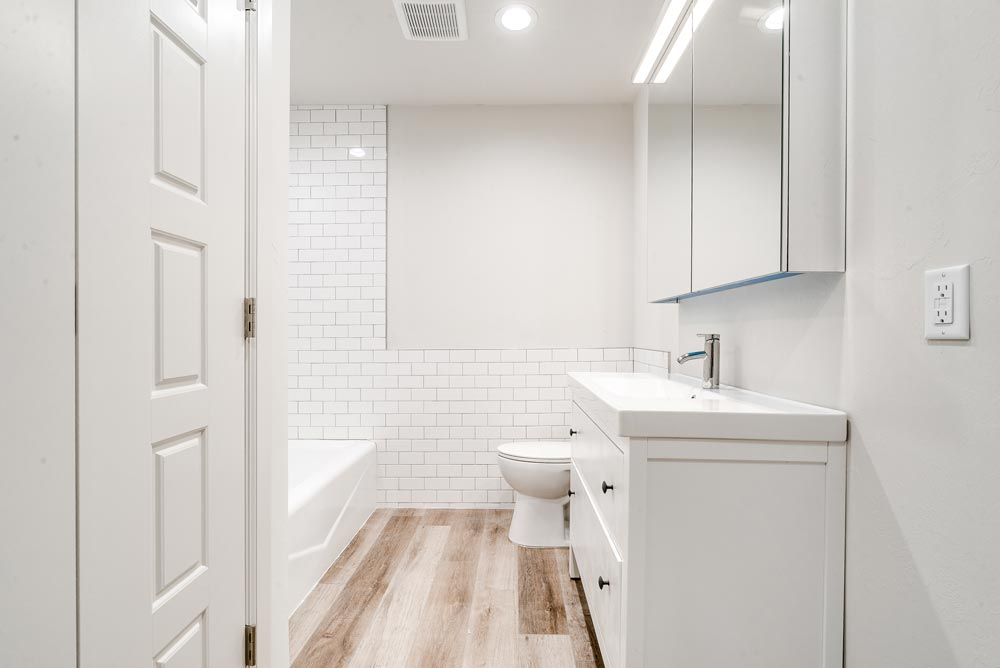 2-bed_2-bath-Guest-Bathroom-web-res.jpg