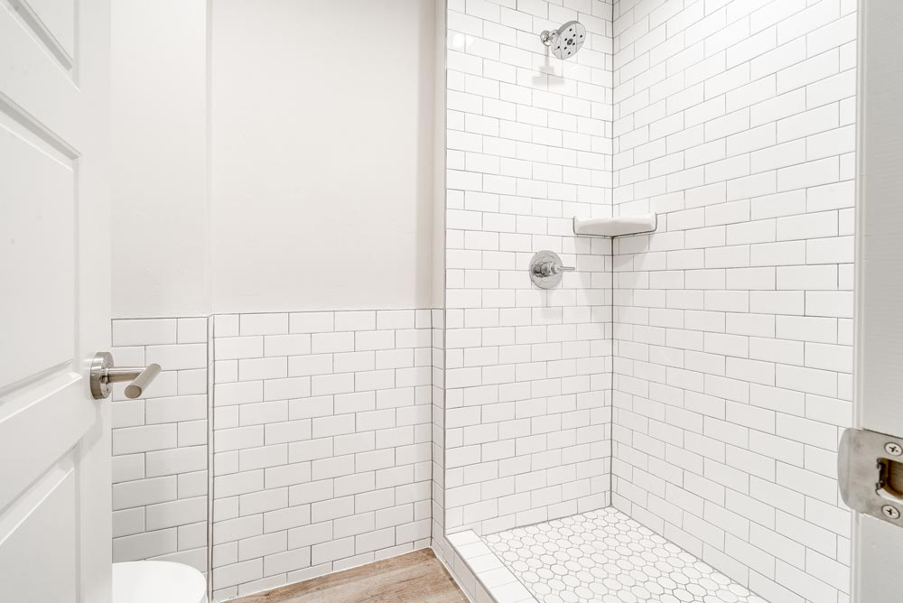 2-bed_2-bath-Master-Shower-web-res.jpg