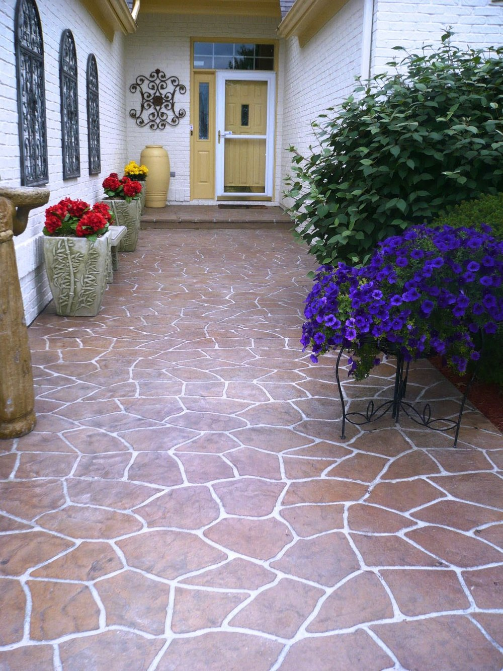 Stenciled Flagstone, Mesa Buff Autumn Brown, Sandstone, Light Charcoal