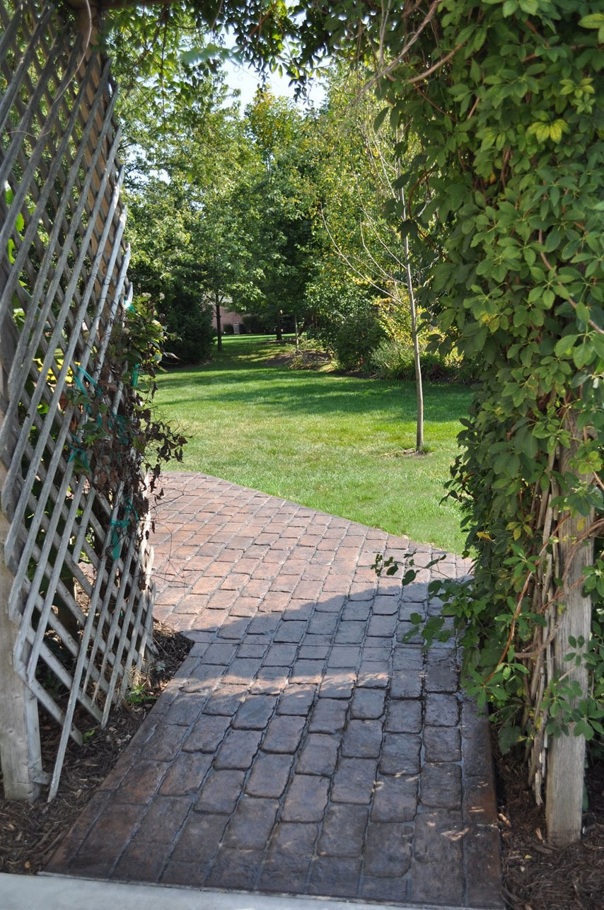 Walk, Stamped Pennsylvania Cobblestone, Autumn Brown, Charcoal Gray