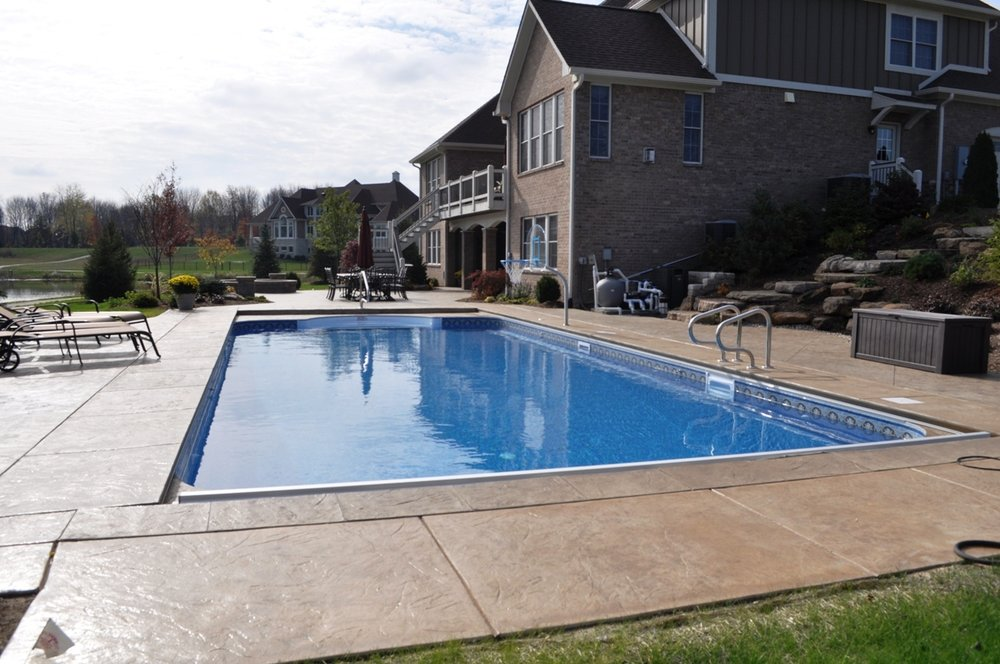 Pool Italian Slate Texture with Desert Sand color and Autumn Brown Release Pool deck