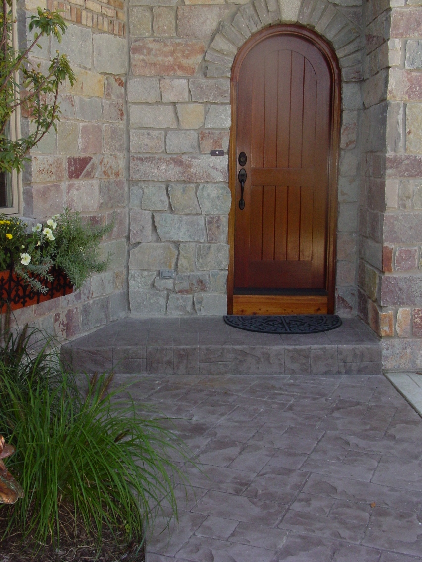 Ashlar Cut Slate with Mocha color and Autumn brown release porch