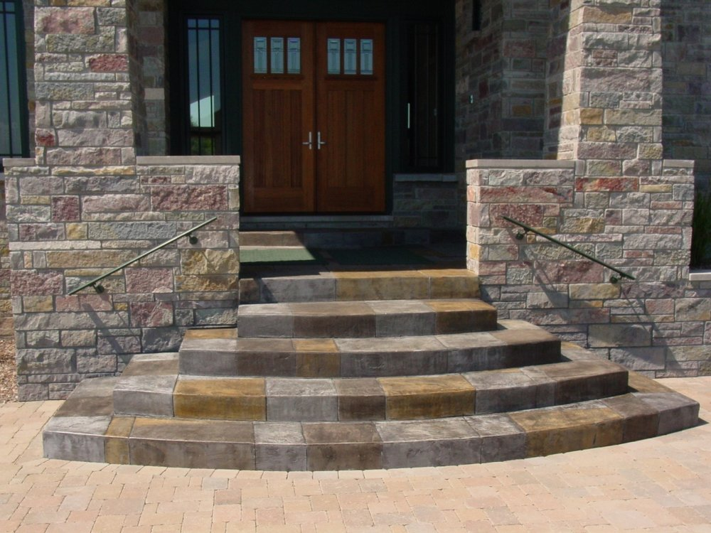 Stamped Concrete Entryway and stesp with Acid Stain